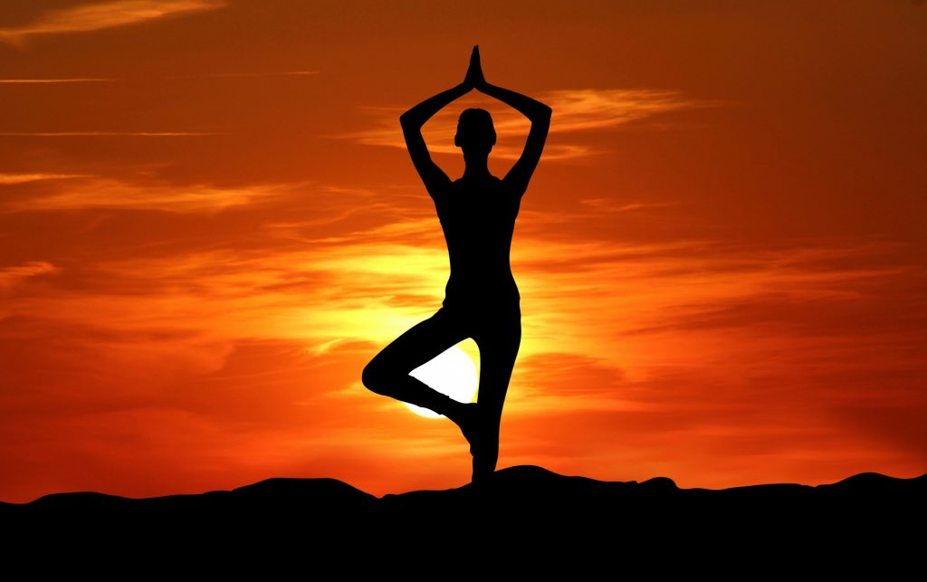 yoga-silhouette-sunset-meditation