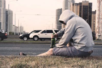 alcoholic-alone-beer-576494-400x267 Alcohol Addiction